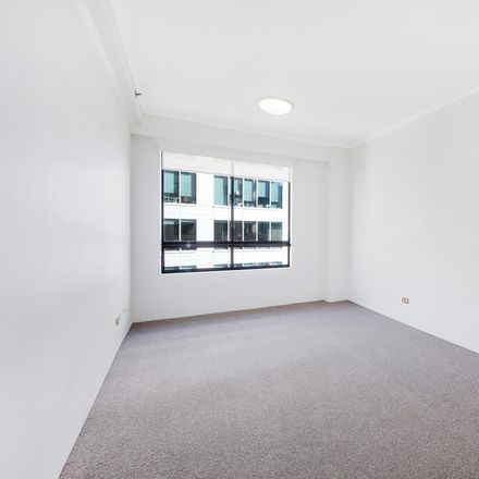 Rent this 1 bed apartment on Level18/365 Kent Street