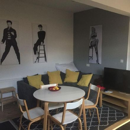 Rent this 4 bed room on 52 Peveril Street in Nottingham NG7 4AL, United Kingdom