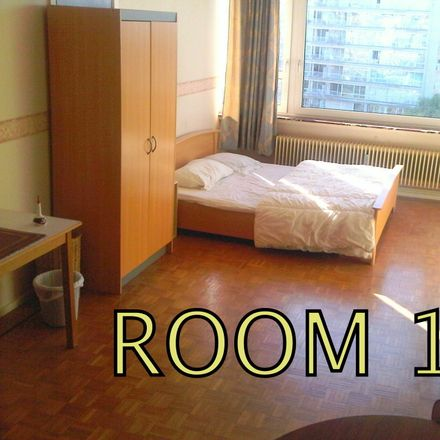 Rent this 3 bed room on Avenue de Broqueville 2 in 1150 Woluwe-Saint-Pierre, Belgique