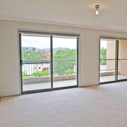 Rent this 2 bed apartment on 44/9 Oxley Street