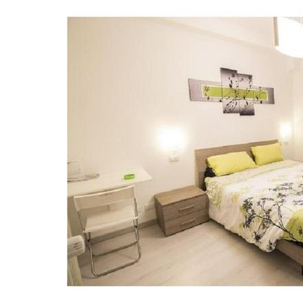 Rent this 3 bed apartment on Fulmini e Saette in Via Gaspare Gozzi, 83