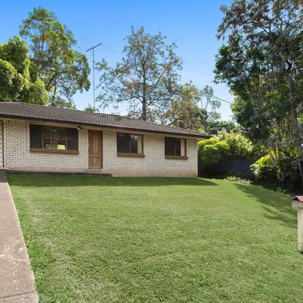 Rent this 3 bed house on 123 Fernvale Road