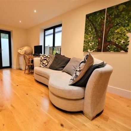 Rent this 2 bed apartment on Jos Cafe in Church Road, Bristol BS13 8JX