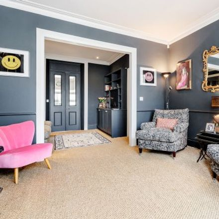Rent this 3 bed apartment on 4 Victoria Gardens in London W11 3PE, United Kingdom