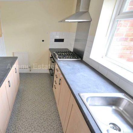 Rent this 2 bed apartment on Lomond Avenue in Reading RG4 6PL, United Kingdom