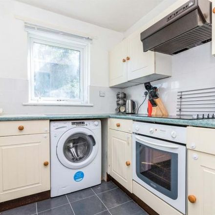 Rent this 2 bed apartment on Princes Gate in Rutherglen, G73 2RR