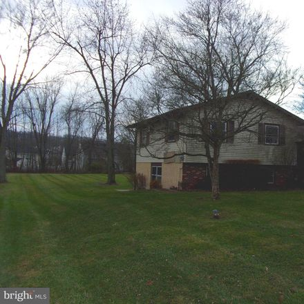 Rent this 3 bed house on Moyer Rd in Pottstown, PA