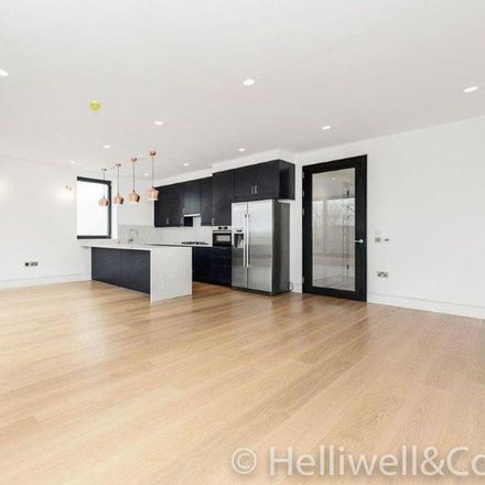Rent this 3 bed apartment on Castlebar Road in London W5 2DF, United Kingdom