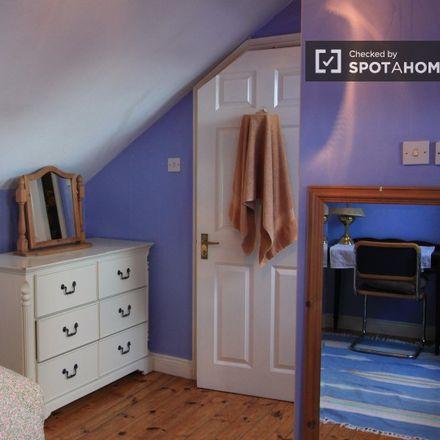 Rent this 5 bed apartment on Terenure Sports Club in 54 Terenure Road North, Terenure