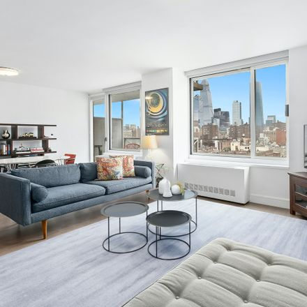 Rent this 2 bed condo on 270 West 17th Street in New York, NY 10011