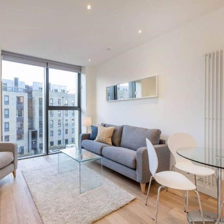 Rent this 1 bed apartment on 3 Simpson Loan in Edinburgh EH3 9FL, United Kingdom