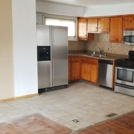 Rent this 3 bed apartment on Edgewood Ave in Rosedale, NY