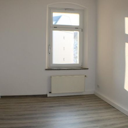 Rent this 4 bed apartment on 08523 Plauen