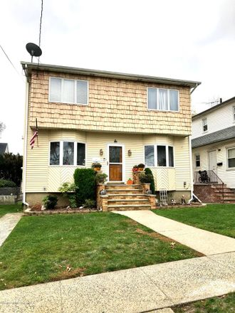 Rent this 3 bed house on 8 Atlantic Avenue in New York, NY 10304