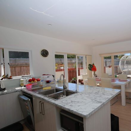 Rent this 3 bed house on Puketapapa in Waikowhai, AUCKLAND