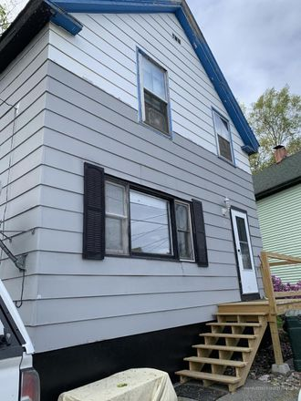 Rent this 3 bed house on 22 South Park Street in Bangor, ME 04401