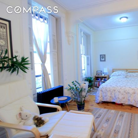 Rent this 1 bed townhouse on 15 Arlington Place in New York, NY 11216