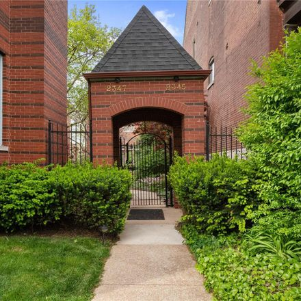 Rent this 3 bed house on 2347 Park Avenue in City of Saint Louis, MO 63104