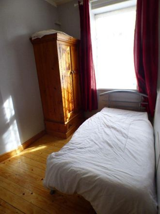 Rent this 4 bed room on Hallfield Works in Festing Street, Stoke-on-Trent ST1 2HX
