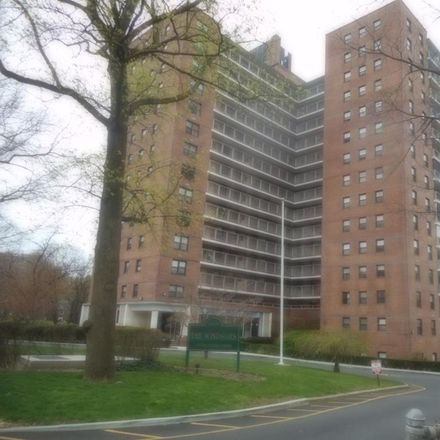 Rent this 1 bed condo on Henry Hudson Parkway in New York, NY 10471