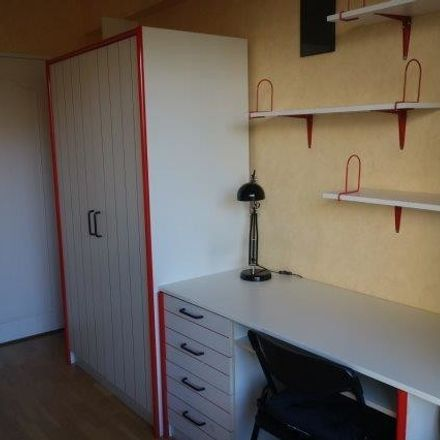 Rent this 1 bed room on dom in Avenue de la Charmille - Haagbeukenlaan, 1200 Woluwe-Saint-Lambert - Sint-Lambrechts-Woluwe