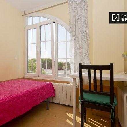 Rent this 12 bed apartment on Calle Sil in 28670 Villaviciosa de Odón, Spain