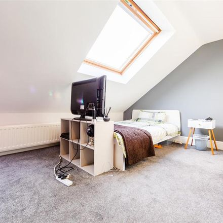 Rent this 5 bed apartment on Goldspink Lane in Newcastle upon Tyne NE2 1NQ, United Kingdom