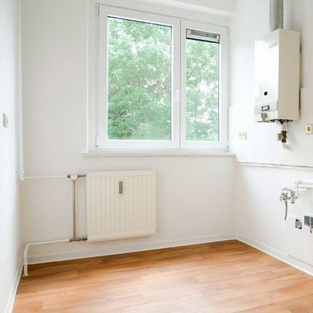 Rent this 3 bed apartment on Wilhelm-Klees-Straße 5 in 39108 Magdeburg, Germany