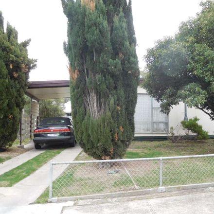 Rent this 3 bed house on 15 Jones Street