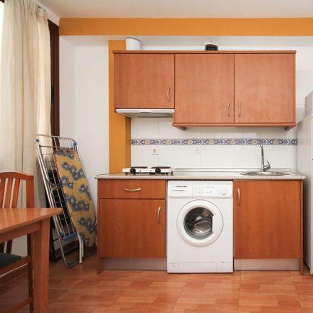 Rent this 2 bed apartment on Calle Moral de la Magdalena in 19, 18002 Granada