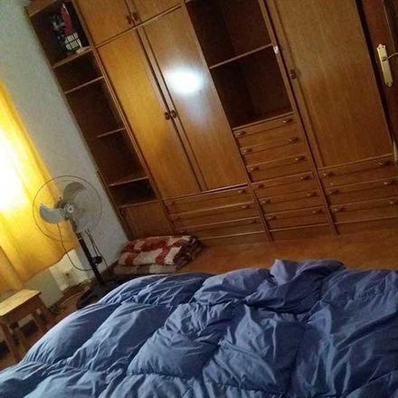Rent this 2 bed room on Convento de las Comendadoras de Santiago in Calle Paco Seco de Lucena, 18009 Granada