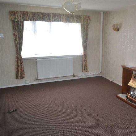 Rent this 3 bed house on Almond Avenue in Sandwell WS5 4JS, United Kingdom