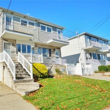 Rent this 3 bed house on Staten Island in NY, US