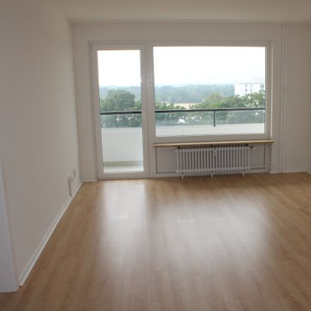 Rent this 4 bed apartment on Mittelstraße 84 in 22851 Norderstedt, Germany