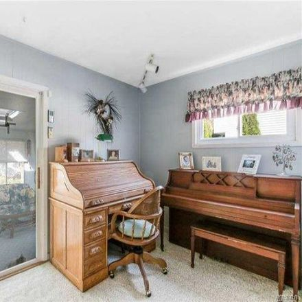 Rent this 3 bed house on 13 Oakland Avenue in East Northport, NY 11731