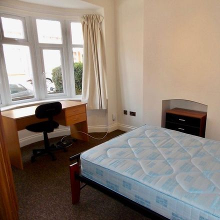 Rent this 5 bed house on Adderley Road in Leicester LE2 1WA, United Kingdom