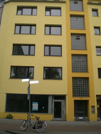 Rent this 2 bed apartment on Duissernplatz 12 in 47051 Duisburg, Germany