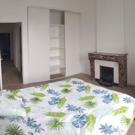 Rent this 4 bed room on 20 Rue Emile Reymond in 42100 Saint-Étienne, France