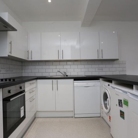 Rent this 6 bed house on Islingword Street in Brighton BN2 9US, United Kingdom