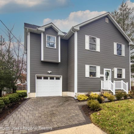 Rent this 3 bed house on Middletown Township in 31 Brevent Avenue, Leonardo