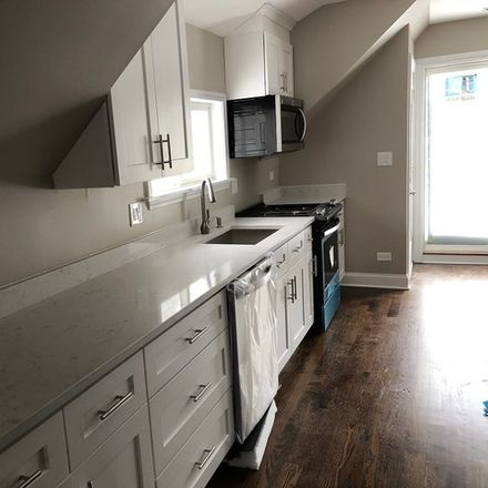 Rent this 3 bed townhouse on 1428 Wilmette Avenue in Wilmette, IL 60091