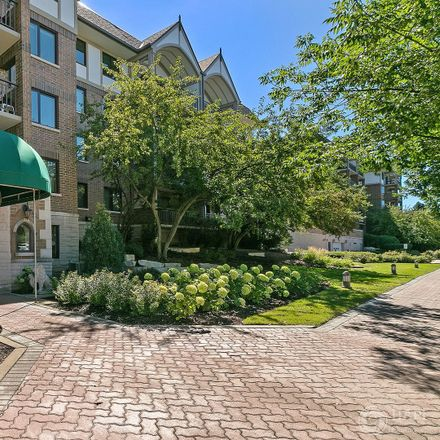 Rent this 2 bed condo on 5 South Pine Street in Mount Prospect, IL 60056