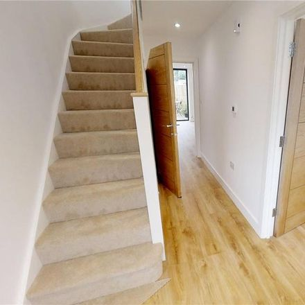 Rent this 4 bed house on Guildford GU1 4JJ