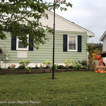 Rent this 2 bed house on 187 Washington Street in Keyport, NJ 07735
