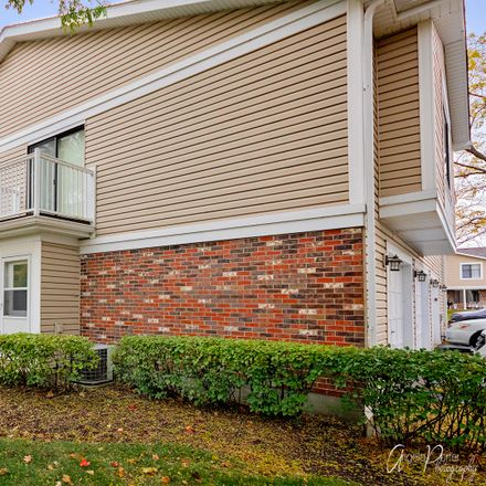 Rent this 2 bed townhouse on 401 Stevenson Place in Vernon Hills, IL 60061