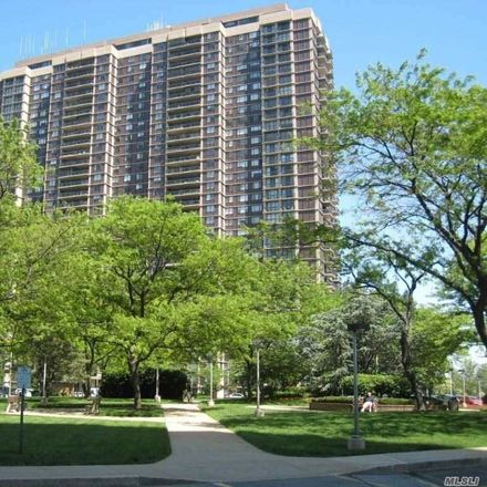 Rent this 2 bed condo on Grand Central Parkway in New York, NY 11005