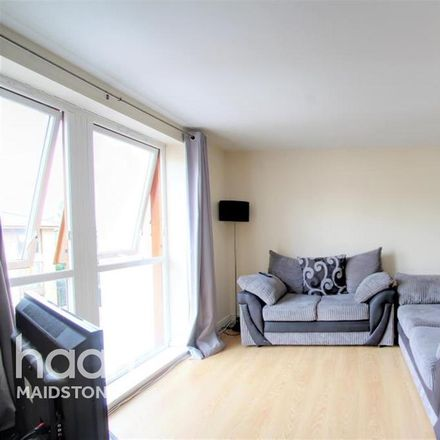Rent this 2 bed apartment on Coral Park in Harbourland ME14 5HQ, United Kingdom