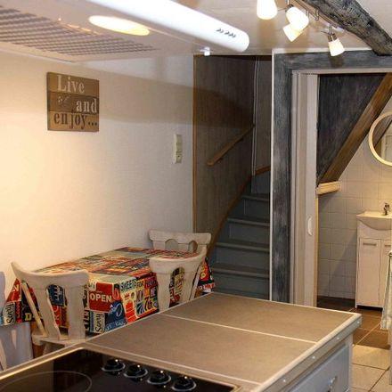 Rent this 1 bed apartment on Rue sous la Tour in 4000 Liège, Belgium