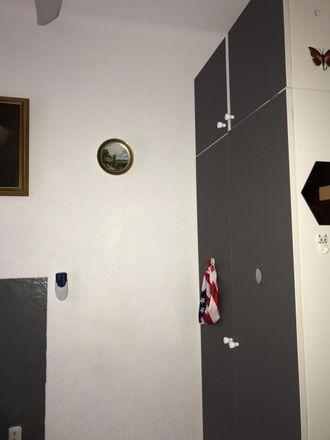 Rent this 3 bed room on Carrer de Beethoven in 31, 08922 Santa Coloma de Gramenet