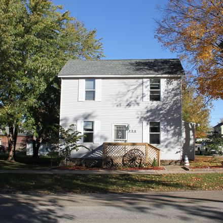 Rent this 3 bed house on 308 East Columbia Street in Danvers, IL 61732